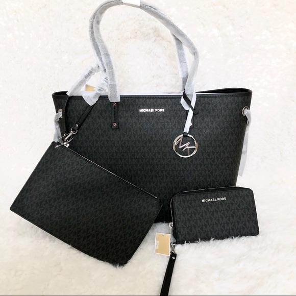 2009f96083eb Michael Kors Bags | 3pc Set Tote Bagwristletwallet Nwt | Poshmark